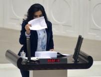 BARıŞ YARKADAŞ - CHP'li Yedekçi bütçe kitapçığının sayfalarını yırttı