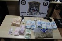 KOKAIN - Otomobilin Paspasındaki Beyaz Tozdan Şüphelenen Polis, 173 Gram Kokain Ele Geçirdi