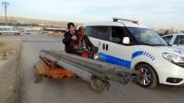 POLİS MERKEZİ - Çalınan Bariyerlere Polis Eskortu