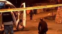 BOMBA İMHA UZMANLARI - İstanbul'da Şüpheli Paket Alarmı