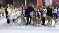 AŞIK VEYSEL - İzmir Büyükşehir Belediyesi'nden Senkronize Başarı
