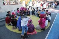 YAYA GEÇİDİ - Küçükçekmece'de Çocuklara Özel 3'Üncü Çocuk Sokağı Kuruldu