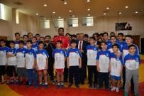 MİLLİ GÜREŞÇİ - Milli Güreşçi Taha Akgül'ün Adı Spor Merkezine Verildi