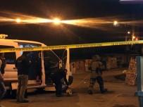 BOMBA İMHA UZMANLARI - Piyalepaşa'da Şüpheli Paket Alarmı