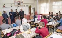 ÜNİVERSİTE SINAVI - Vali Zorluoğlu'nun Okul Ziyareti
