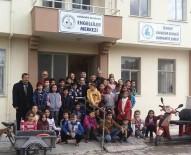 TÜRKIYE SAKATLAR DERNEĞI - Burhaniye'de Minik Öğrenciler Engelliler Merkezini Ziyaret Etti