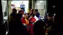 MEDİKAL KURTARMA - Denizli'de Kayalıklardan Düşen Çocuk Kurtarıldı