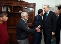 MUSTAFA YAŞAR - Erdoğan, Gurbetçi Aileyi Evinde Ziyaret Etti
