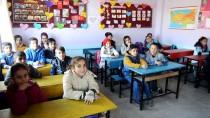 Sevgileriyle Okulun Çehresini Değiştirdiler