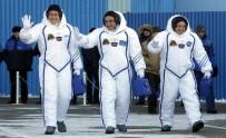 SOYUZ - Soyuz Uzay Aracı 3 Mürettebatla Fırlatıldı