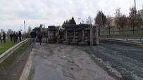 İKITELLI - TEM Otoyolunda Çimento Yüklü Kamyon Devrildi