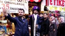 BEĞENDIK - Türk Kahvesini Sultan Kıyafetiyle Satıyor
