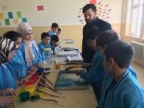 ÖMER YıLMAZ - Bingöl'de Öğrenciler Boş Vakitlerini Ebru Sanatıyla Dolduruyor