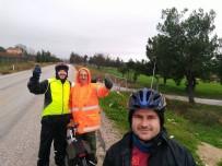 İLKBAHAR - Bisikletçiler, Yağmur Altında 25 Kilometre Pedal Çevirdi
