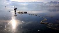 GÖKYÜZÜ - Çıldır Gölü Dondu