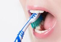 DİŞ HEKİMLERİ - Diş Fırçalarken Bunlara Dikkat