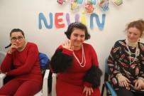 ENGELLİ ÇOCUK - Engelli Kızın Doğum Günü Dileği Açıklaması 'Hep Böyle Mutlu Geçsin'