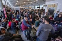 ATLANTA - Havalimanındaki Elektrik Kesintisi ABD'de Krize Neden Oldu