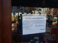 (Özel) Çaya Yaptığı 25 Kuruşluk Zam İçin Müşterilerinden Özür Diledi