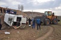 YOZGAT - Yozgat'ta Rehabilitasyon Servisi Devrildi Açıklaması 13 Yaralı