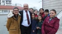 37 Yıllık Okul Müdürü Öğrencilerine Veda Etti