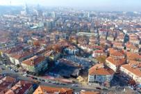 ALPER TAŞDELEN - Esat, Kent Meydanı İçin Gün Sayıyor