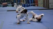 SAVUNMA SPORU - Judo İle Esneklik Ve Kibarlık Eğitimi