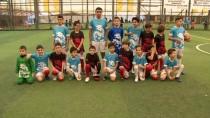 FUTBOL TURNUVASI - (Özel) Suriyeli Ve Türk Çocukların Futbol Keyfi