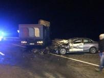 KARADENIZ SAHIL YOLU - Rize'de 2 Ayrı Trafik Kazasında 1'İ Ağır 10 Kişi Yaralandı