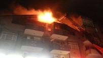 ÇATI KATI - Sakarya'da Binanın Çatı Katı Alev Alev Yandı