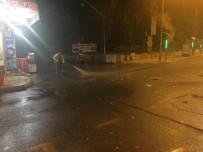 OTOBÜS DURAĞI - Sokak Ve Caddeler Temizleniyor