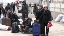 GÜMRÜK KAPISI - Suriyeli 50 Kişilik Grup Ülkesine Döndü