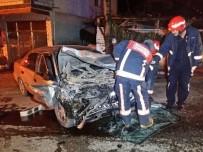 ALTıNDERE - Akyazı'da İki Otomobil Kafa Kafaya Çarpıştı Açıklaması 2 Yaralı