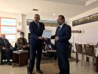 GAZILER - Azerbaycanlı Heyetten Yıldırım'a Plaket