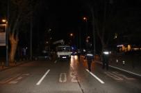 BAĞDAT CADDESI - Bağdat Caddesinde Kaza Açıklaması 1 Ölü, 1 Ağır Yaralı