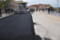TURGAY GÜLENÇ - Bismil'de Sıcak Asfalt Çalışması Devam Ediyor