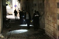 ERSİN ARSLAN - Gece Bekçisi Kavgada Öldürüldü