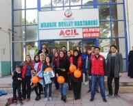 Gönüllü Gençlerden Çocuk Hastalara Moral Ziyareti