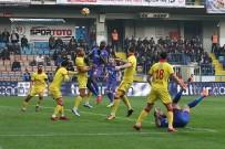 Süper Lig Açıklaması Kardemir Karabükspor Açıklaması 0 - Göztepespor Açıklaması 0 (İlk Yarı)