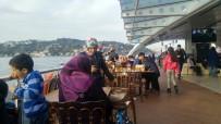 VALİDE SULTAN - Üsküdar'da Engelli Vatandaşlara Boğaz Turu