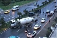 BETON MİKSERİ - Beton Mikseriyle Otomobil Çarpıştı Açıklaması 2 Yaralı
