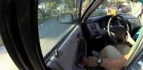 FLORIDA - Kapıdan Tutan Polis Memurunu Metrelerce Sürükledi