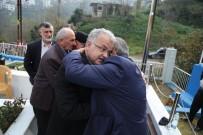 RİZE BELEDİYESİ - Kayseri'de Şehit Olan Rizeli Uğur Korkmaz'ın Kabri Başında Kur'an-I Kerim Okundu