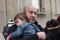 Suriyeli Çocukları Yanmaktan Komşuları Kurtardı