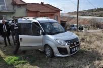 POLİS KARAKOLU - Uşak'ta Polis Aracına Ateş Açan Zanlı Yakalandı