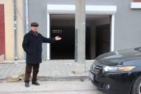 ELEKTRİK DİREĞİ - Bu Garaja Giriş De Çıkış Da Yok