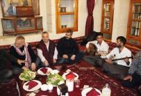 AHMET KAYA - Oktay Kaynarca Şanlıurfa'da Sıra Gecesine Katıldı
