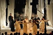MEHMET ÖZGÜR - Şehir Tiyatrosu'na Antalya'da Büyük İlgi