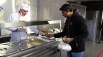 Soğuk Havada Vatandaşların İçini Isıtan 'Sıcak Hizmet'