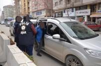 CİNSEL TACİZ - Uşak'ta 14 Ayrı Suçtan Aranan Şahıs Yakalandı